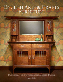Book cover of English Arts and Crafts Furniture